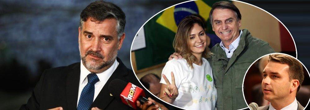 Hashtag Flavio Bolsonaro Na Cadeia nos trending topics do Twitter. Paulo Pimenta cobra Moro