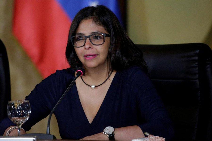 Vice da Venezuela acusa vice dos EUA de tramar golpe no país latino-americano
