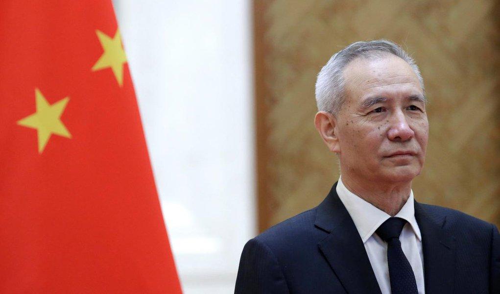 China confirma visita de vice-premiê aos EUA para negociação comercial no fim do mês