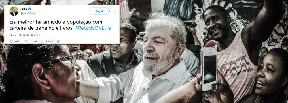 Lula: seria melhor armar a população com carteira de trabalho e livros