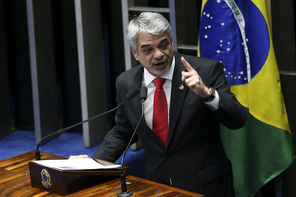 Humberto Costa: Senado poderá discutir denúncias contra Flávio Bolsonaro