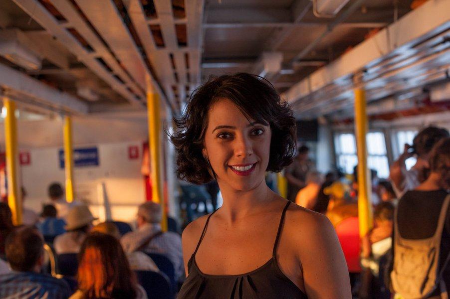 Maria Rezende: poesia é arma potente da resistência cultural