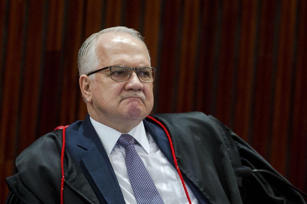 Fachin leva a plenário pedido para suspender inquérito das fake news