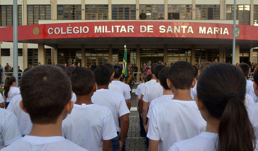 Exército proíbe que alunos de colégios militares participem em olimpíada