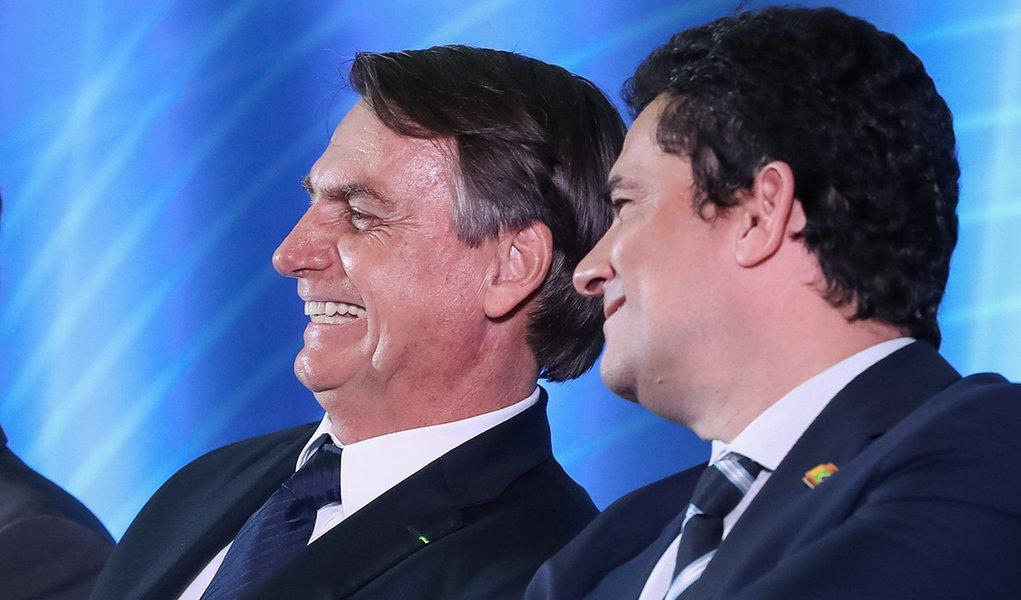 Bolsonaro confirma 'ter compromisso' para indicar Moro ao STF