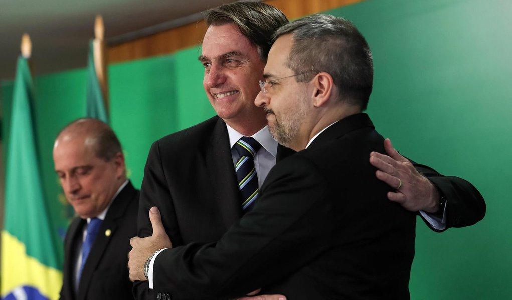 Bolsonaro e a destruição deliberada das universidades públicas