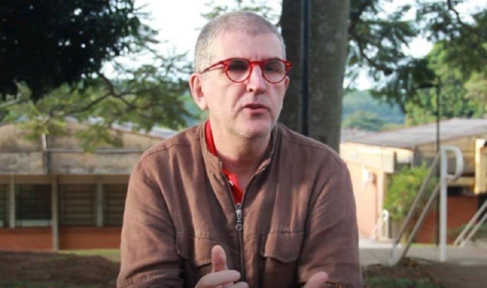 Marcos Bagno: governo é a glorificação da ignorância