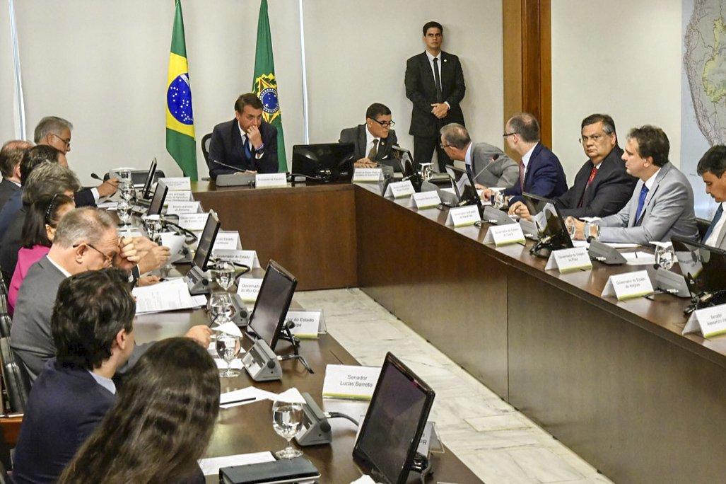 Governadores do Nordeste pedem a Bolsonaro revisão do corte de universidades