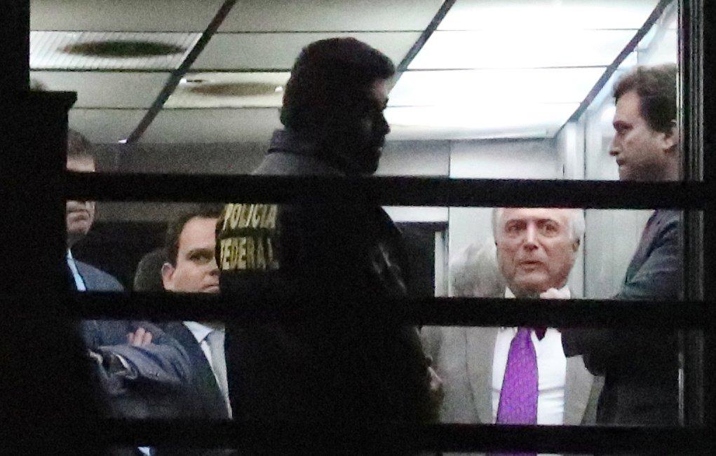 Michel Temer se entrega à Polícia Federal