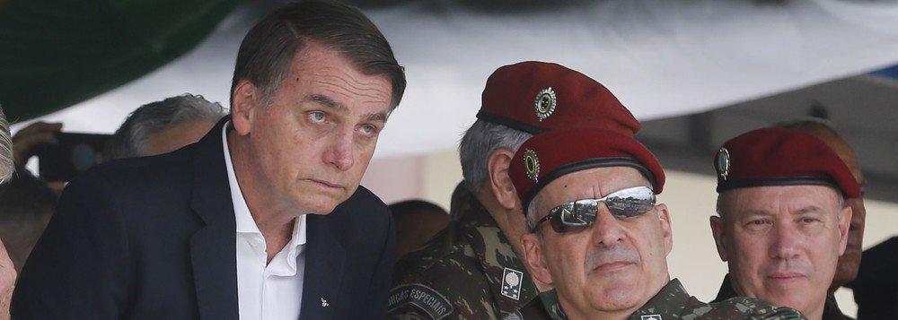 Militares reclamam da 'dubiedade' de Bolsonaro