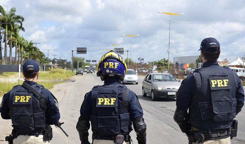 Polícia Rodoviária Federal diz que série O Mecanismo calunia e difama a instituição
