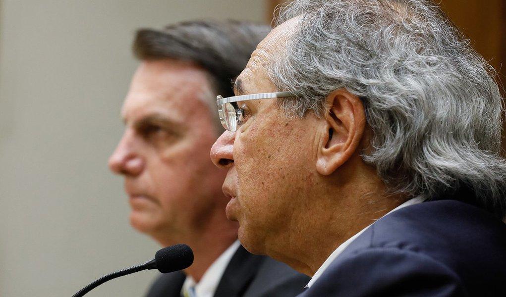 Guedes, o insaciável, prejudica 21 milhões com corte do abono