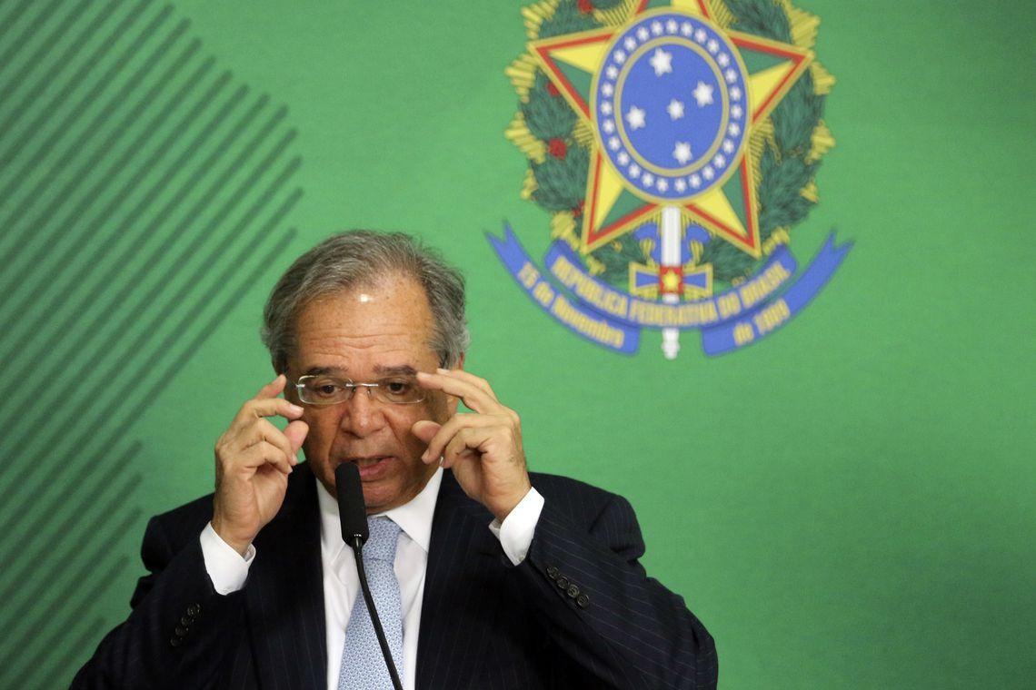 Paulo Guedes na corda bamba