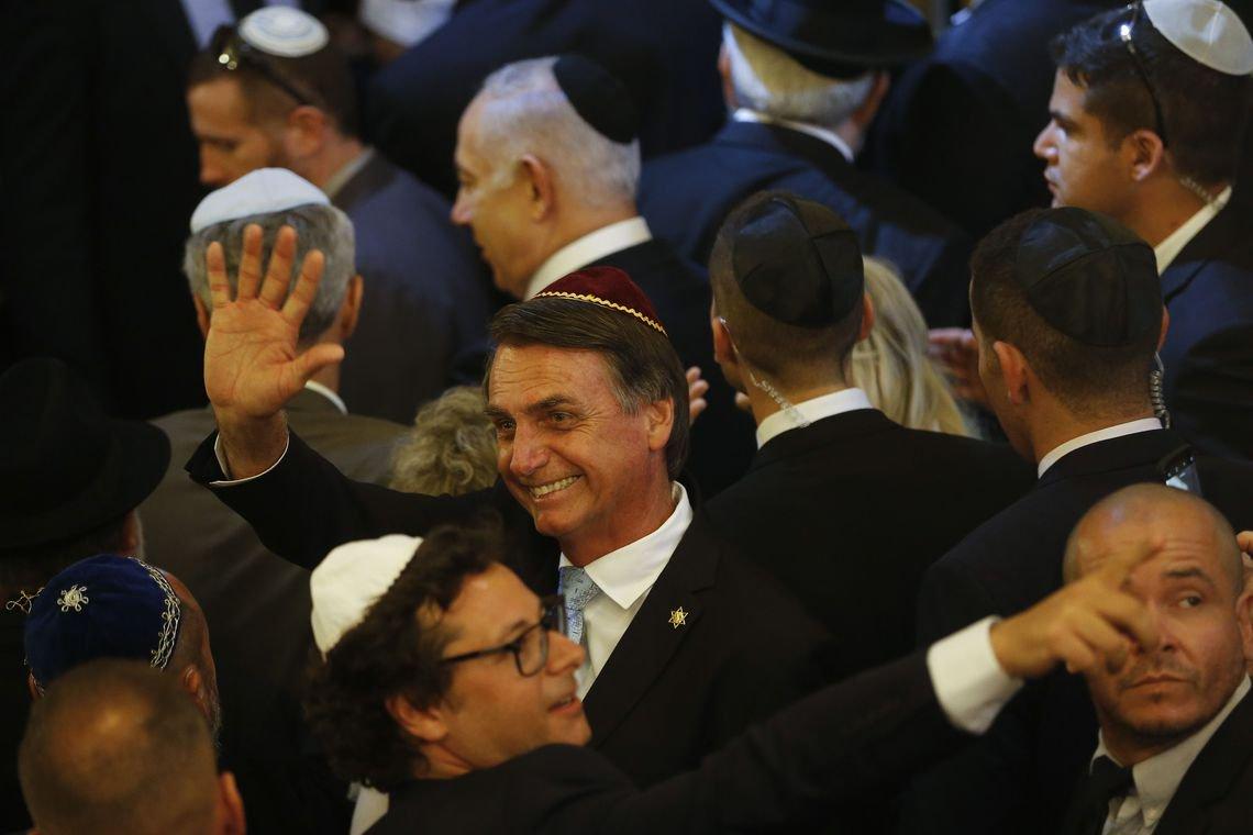 Sobre como ofender judeus e evangélicos