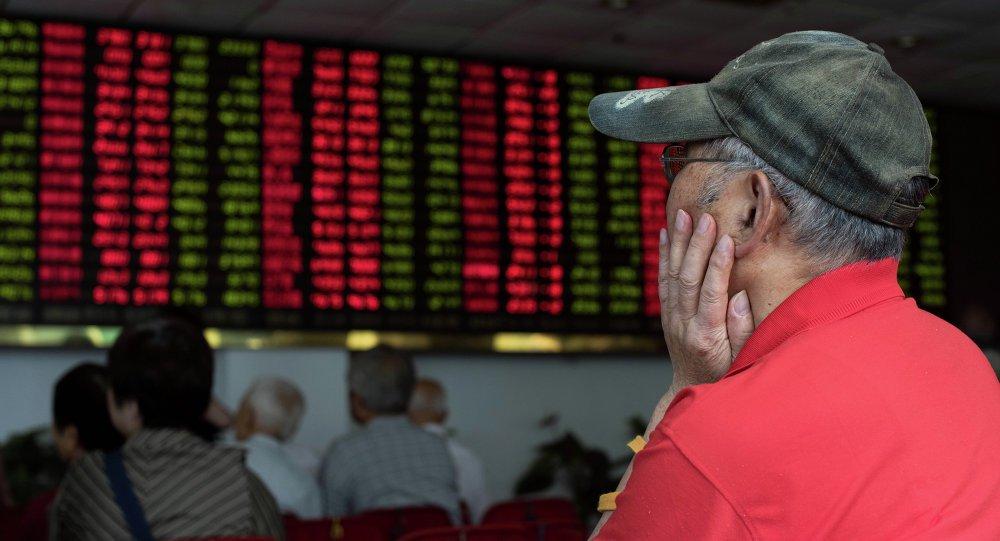 Bolsas desabam após tarifas de Trump contra a China