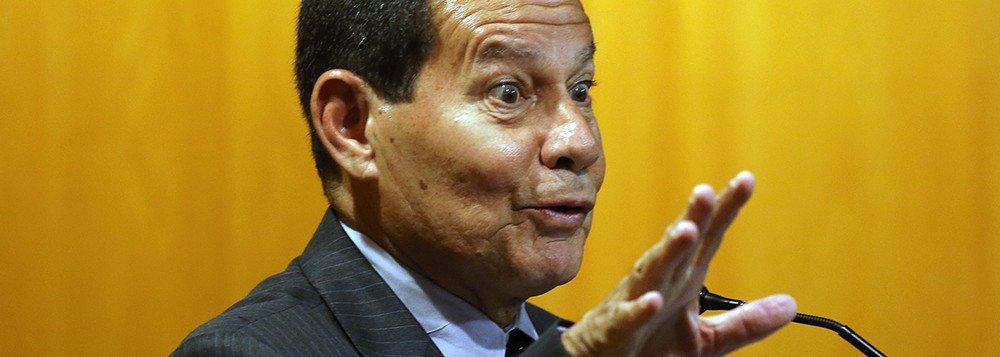 Mourão critica prefeito de Nova York e leva invertida de internautas