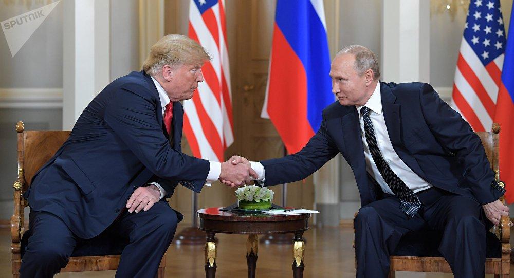 Putin para Trump: tentativas de derrubar Maduro dificultam solução para a Venezuela