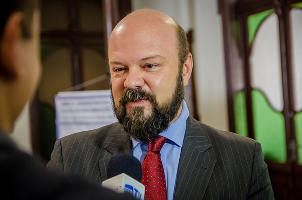 'Universidades públicas são solução, não problema', diz reitor da UFPR