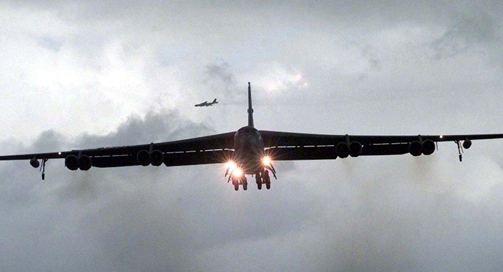EUA enviam 4 bombardeiros B-52 ao Oriente Médio para ameaçar Irã