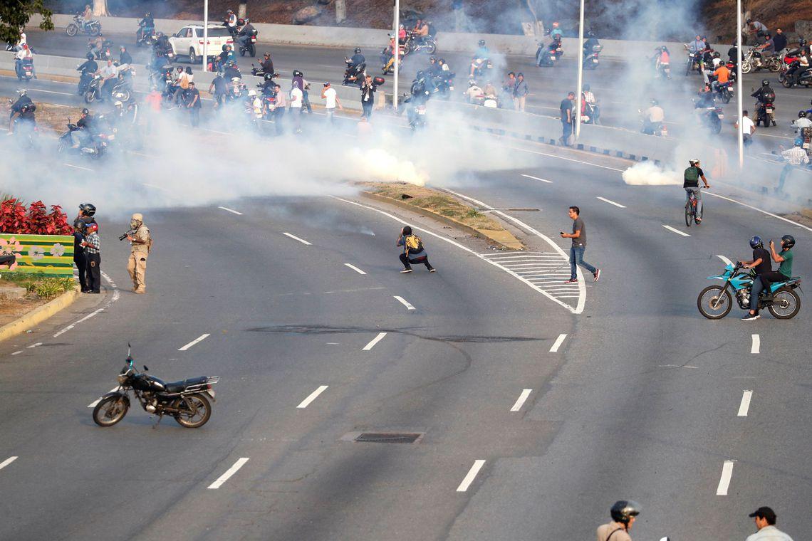 Previdência, desemprego e Venezuela no padrão de manipulação da tevê