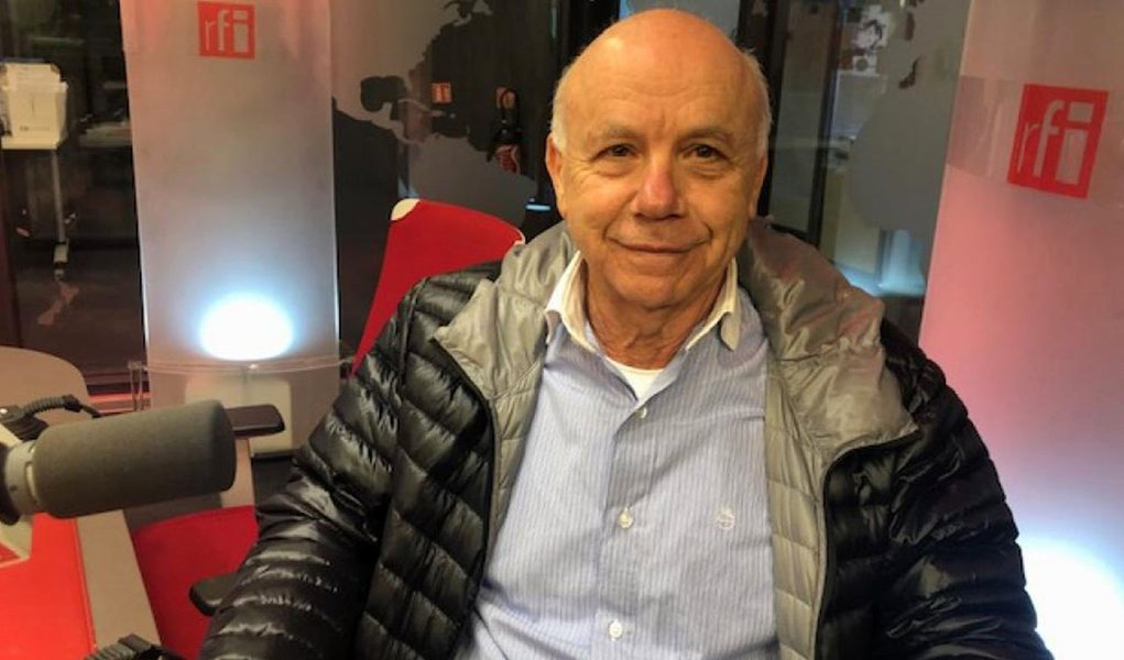 """""""Rever o modo de funcionamento da educação no Brasil é muito preocupante"""", diz Carlos Cury"""
