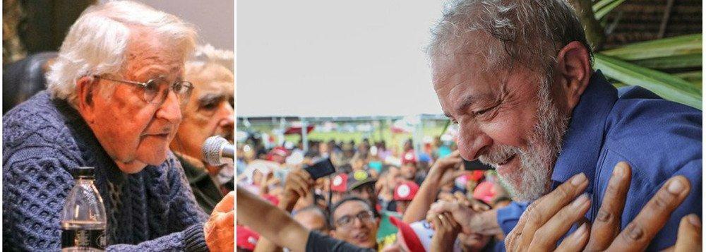 Chomsky parabeniza Lula por entrevista: não vai demorar e você está livre