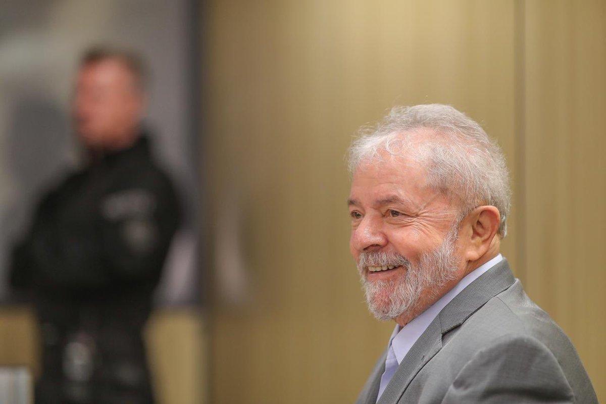 Num país disperso, Lula aponta o rumo da luta