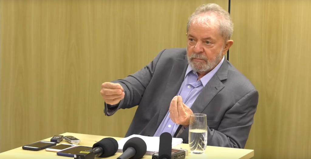Lula: 'hora de lutar pela Previdência é agora'