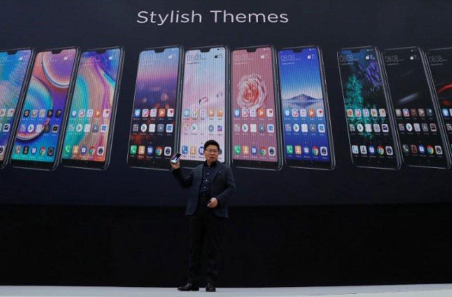 China pede que Reino Unido resista à pressão e use equipamentos Huawei em redes 5G