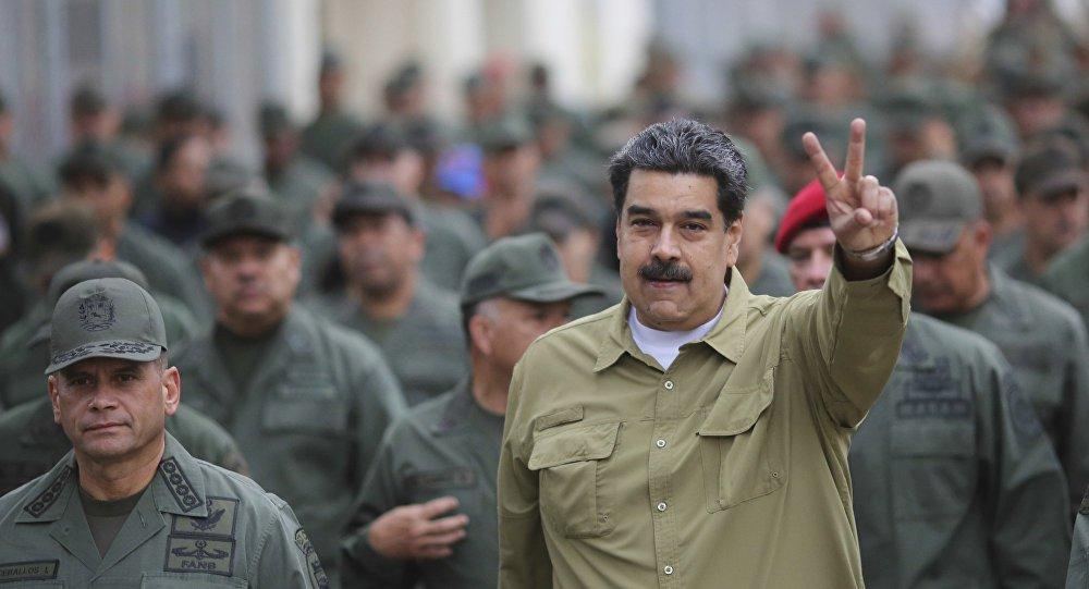 Maduro diz que Forças Armadas estão mais coesas do que nunca