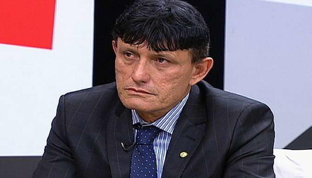 Facebook remove página de deputado, apoiador de Bolsonaro