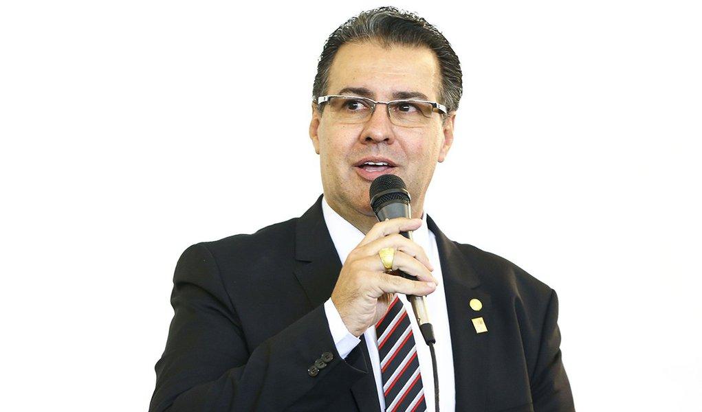 'Foi uma derrota', diz ex-vice líder do governo sobre votação de reforma