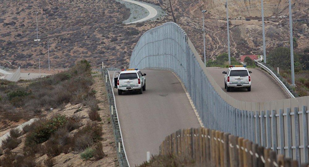 Trump anuncia que enviará soldados armados para fronteira com o México