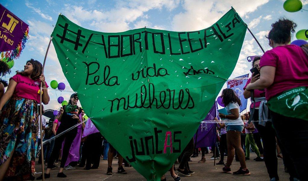 PEC que proíbe aborto avança no Senado e pode ser votada na CCJ