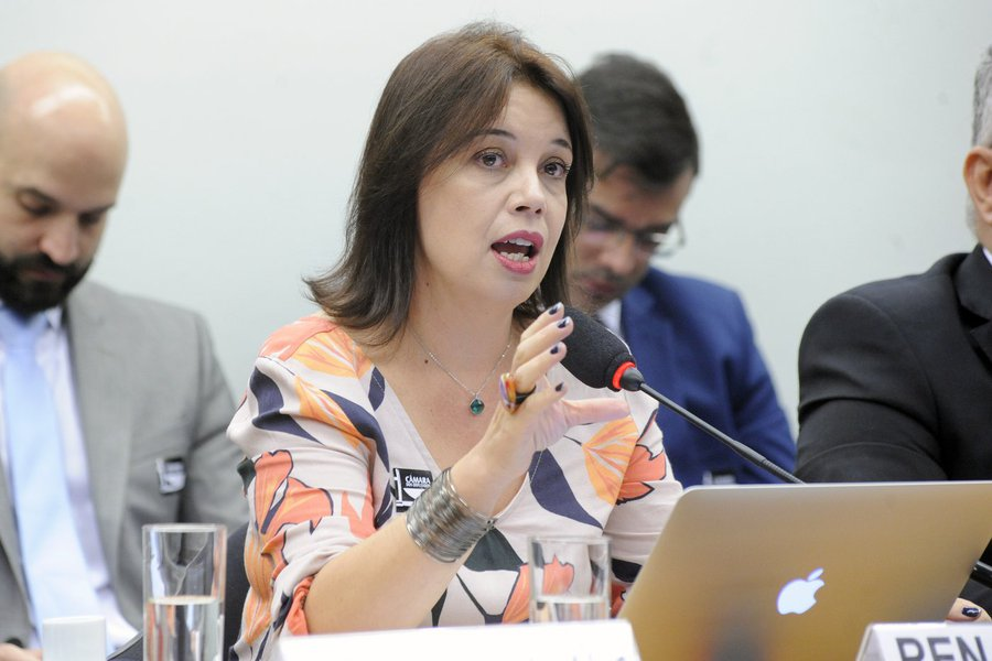 Fusão da TV Brasil com NBR é ilegal, dizem entidades