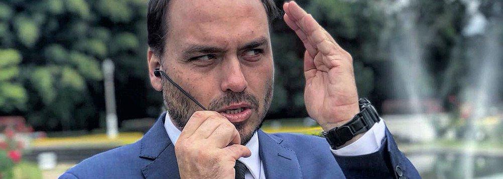 Kiko Nogueira: Carlos Bolsonaro acabará derrubando o governo do pai