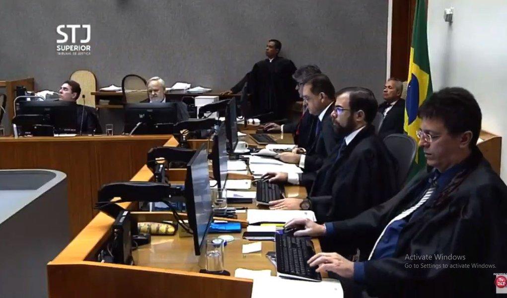 DCM: STJ escondeu da defesa de Lula que recurso seria julgado nesta terça
