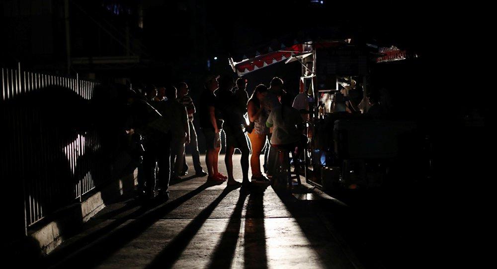 Venezuela encurta dia de trabalho para fortalecer redes elétricas contra ataques