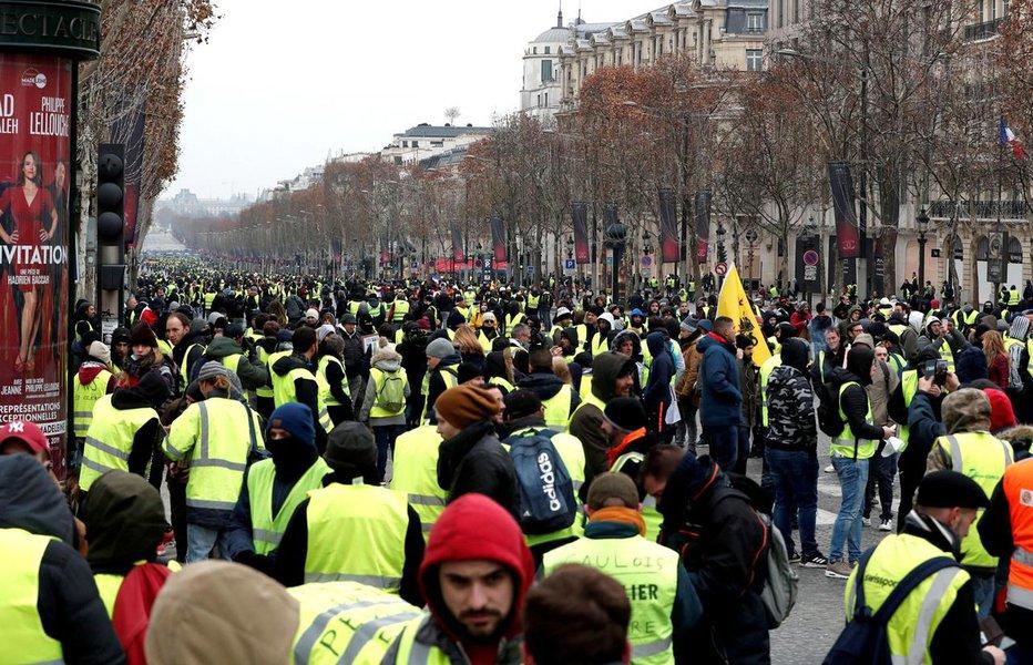 Mobilização dos coletes amarelos aumenta, mas violência recua na 19ª jornada de protestos