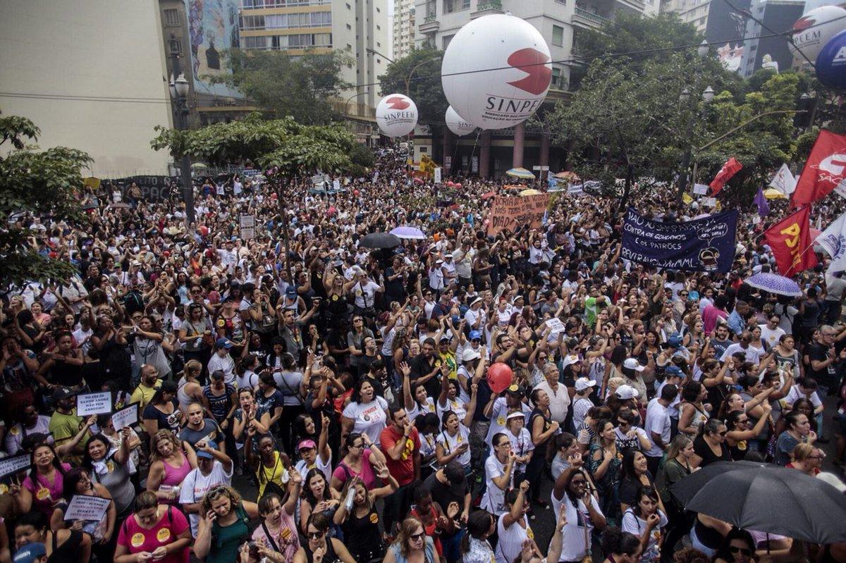 Confederação propõe greve dos trabalhadores em educação do Brasil