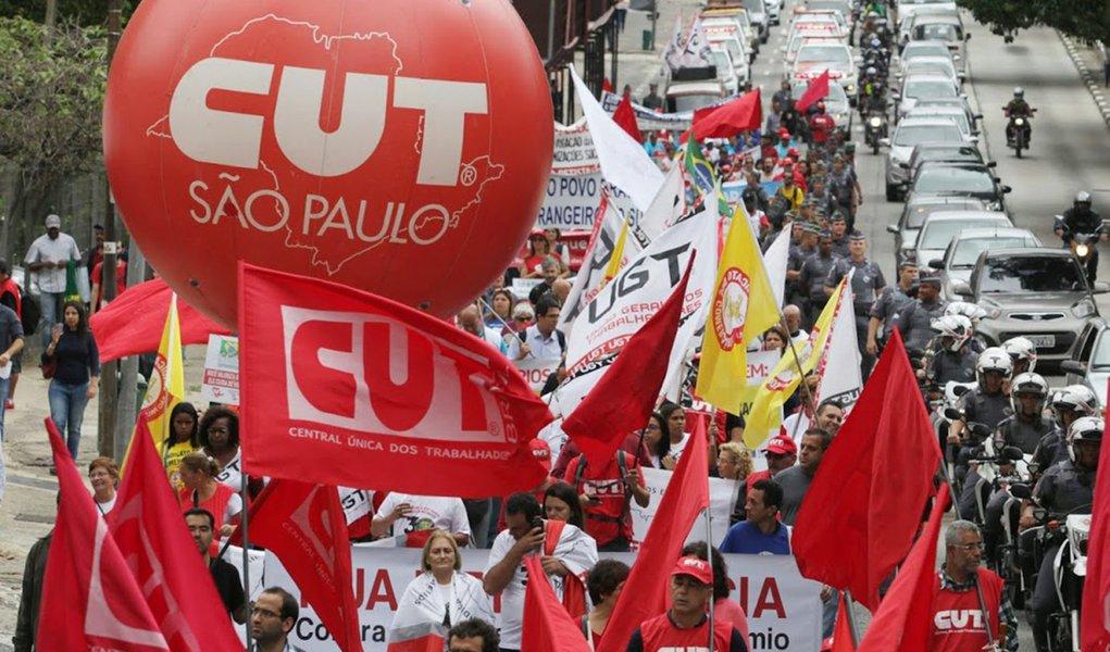 Contra retrocessos de Bolsonaro, centrais convocam mobilização nacional
