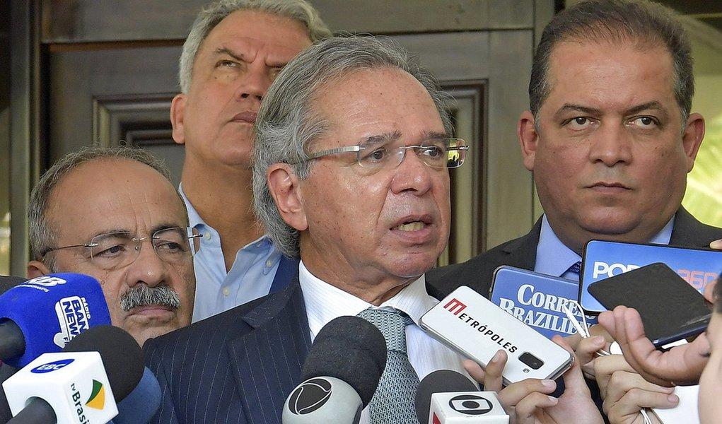 Guedes justifica cortes no Censo 2020: 'tem muita coisa sem importância'