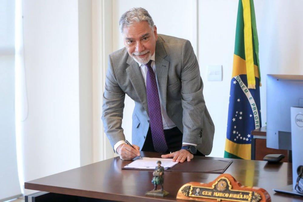 Bolsonaro demite Secretário do Esporte
