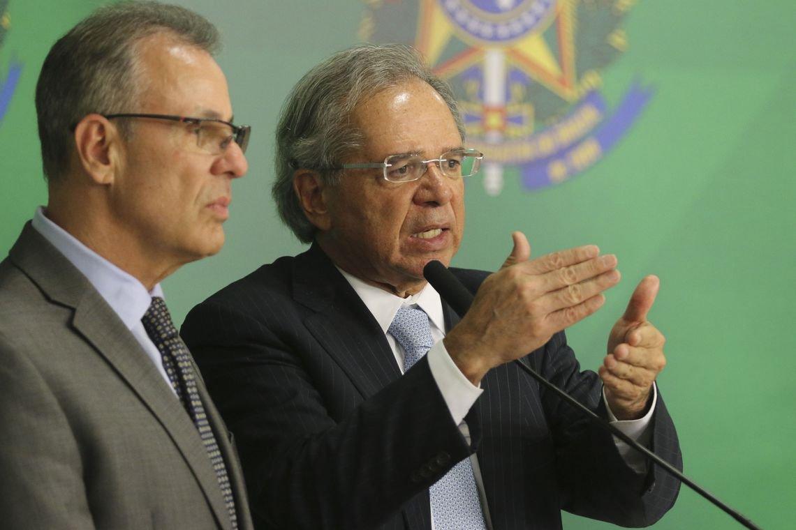 Tijolaço: governo fragiliza empresas para vendê-las