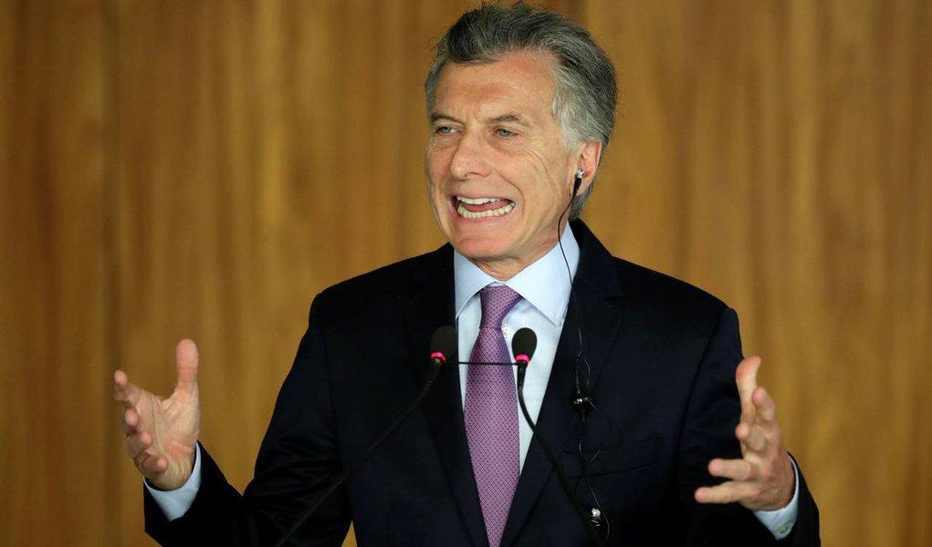 Política neoliberal fracassa na Argentina e Macri quer congelar preços