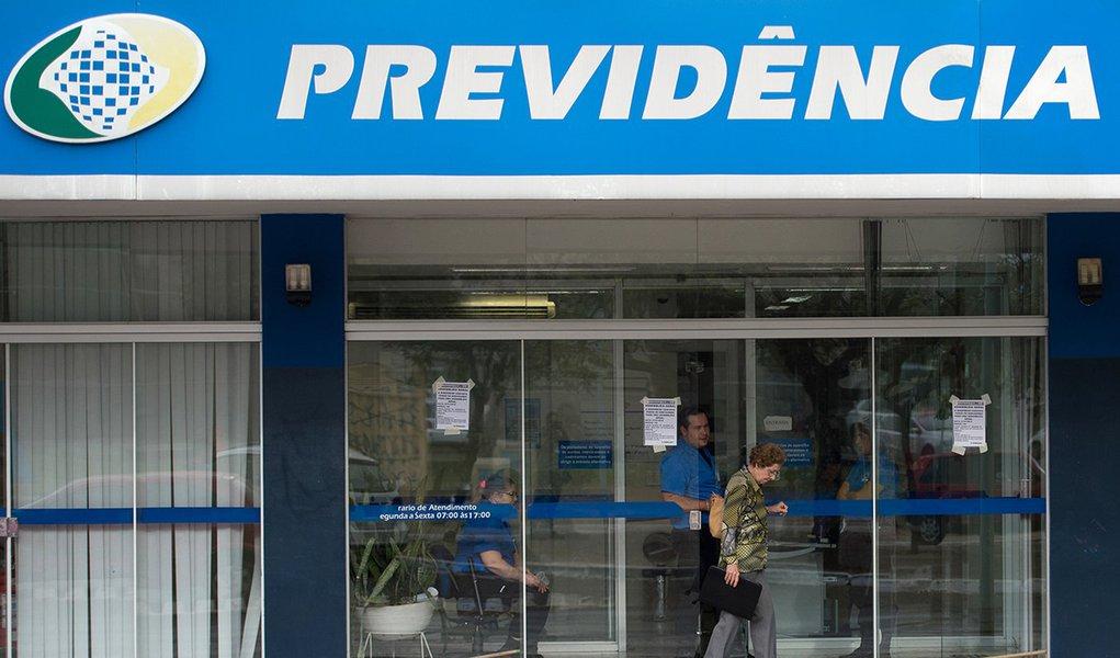 Reforma da Previdência fará do Brasil um país de miseráveis, dizem economistas