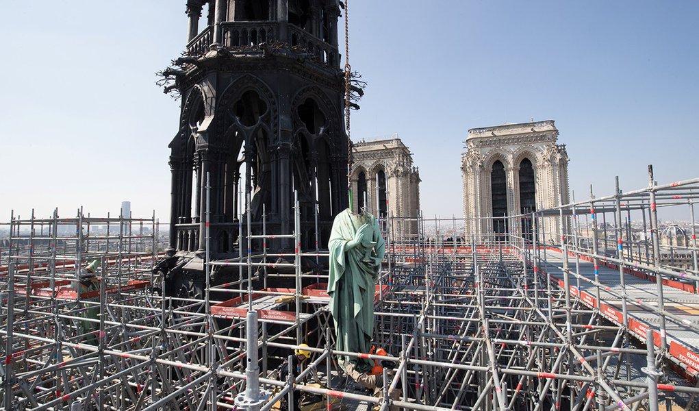 Doações para reconstrução de Notre Dame somam US$ 900 mi
