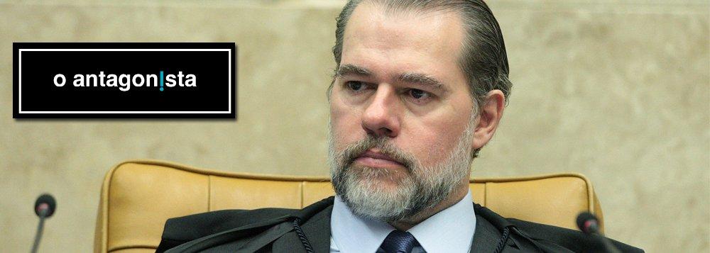 Rodrigo Vianna: quem incentivou o estado policial contra petistas vira vítima do autoritarismo