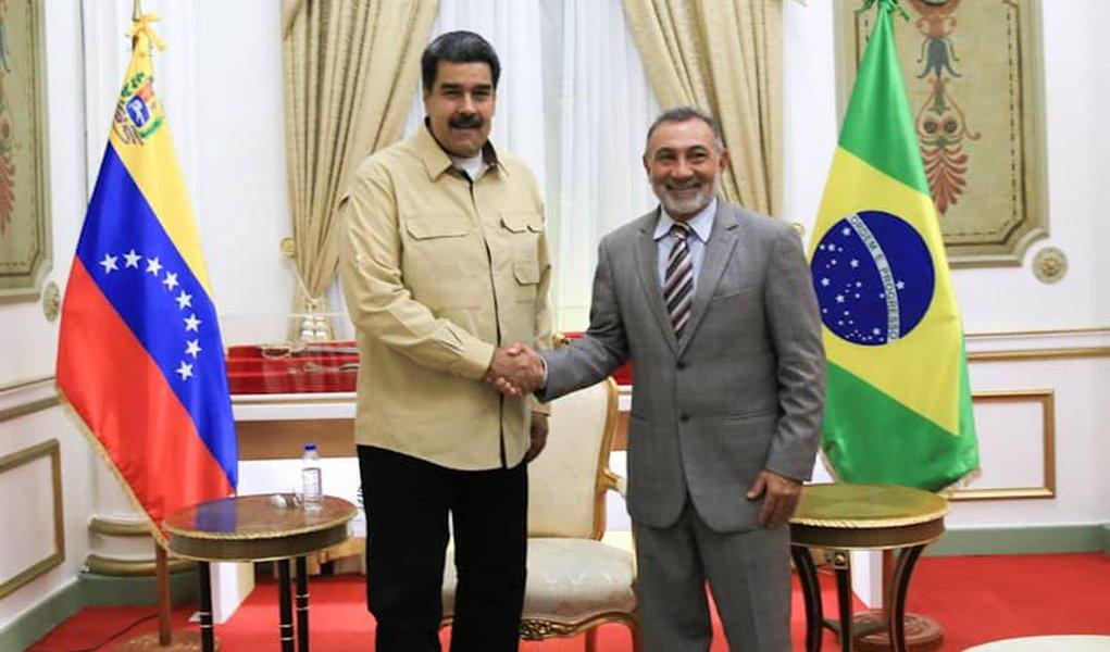 Venezuela reabre fronteira com Brasil após visita de senador