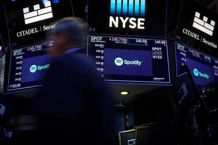 Ações do Spotify caem após notícia de que Amazon lançará serviço de streaming de música gratuito